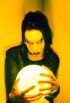 Marilyn Manson (kan wel een zonnebankje gebruiken)!